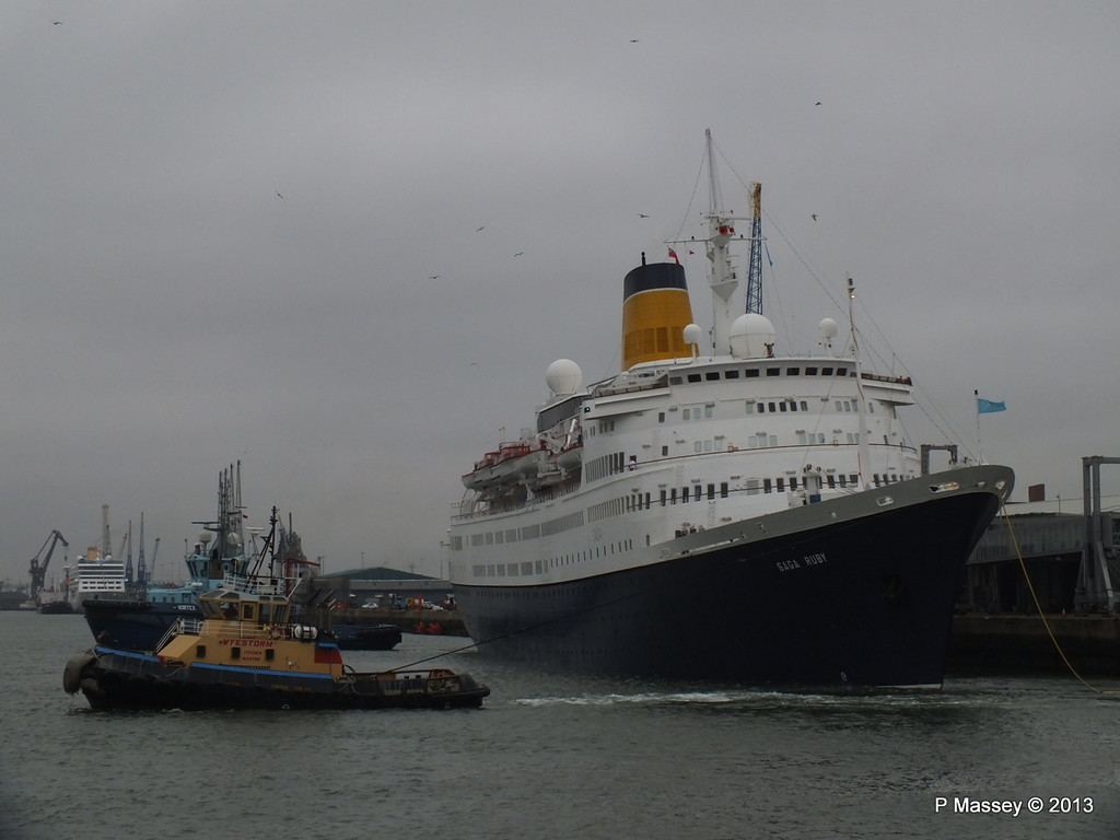 SAGA RUBY under tow Southampton PDM 08-01-2013 15-14-12
