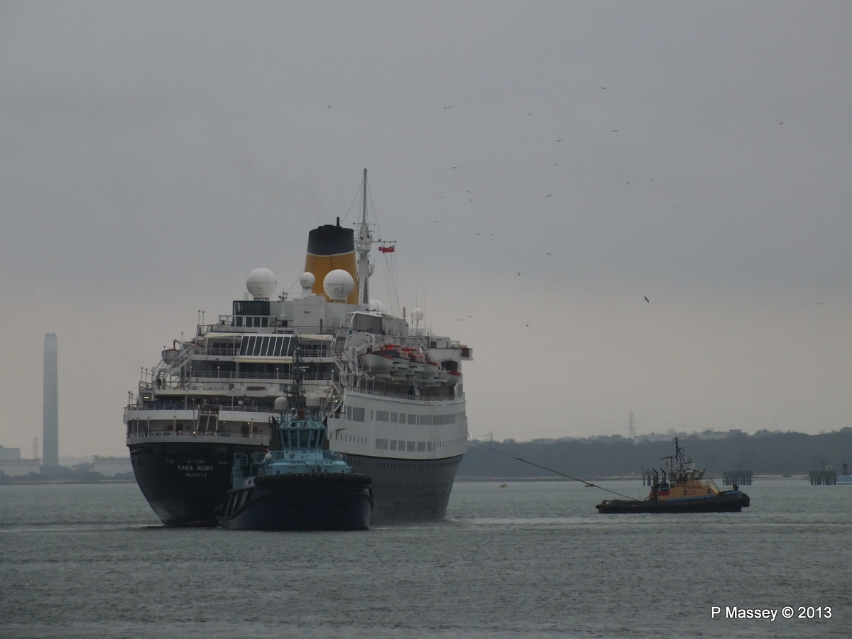 SAGA RUBY under tow Southampton PDM 08-01-2013 15-40-15
