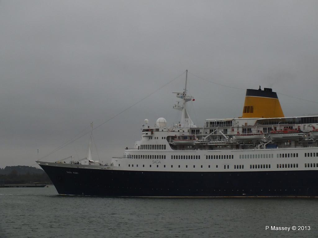 SAGA RUBY under tow Southampton PDM 08-01-2013 15-21-30