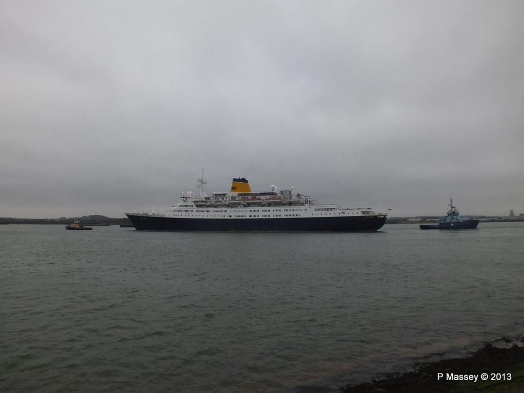 SAGA RUBY under tow Southampton PDM 08-01-2013 15-21-19