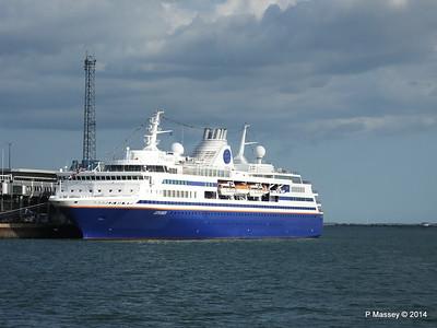 EXPLORER QEII Terminal Southampton PDM 22-08-2014 17-50-18