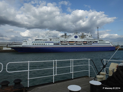 EXPLORER from ss SHIELDHALL Southampton PDM 22-08-2014 17-02-11