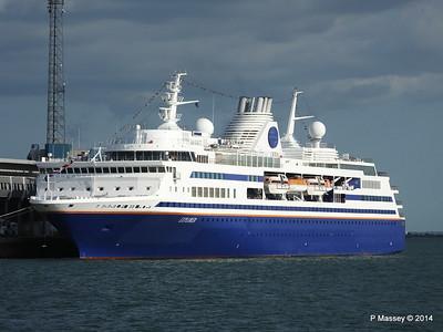 EXPLORER QEII Terminal Southampton PDM 22-08-2014 17-50-35