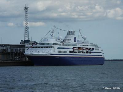 EXPLORER QEII Terminal Southampton PDM 22-08-2014 16-21-52