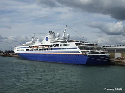 EXPLORER QEII Terminal Southampton PDM 22-08-2014 17-00-41
