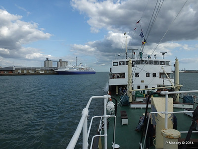 EXPLORER from ss SHIELDHALL Southampton PDM 22-08-2014 17-04-23