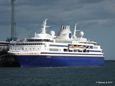 EXPLORER QEII Terminal Southampton PDM 22-08-2014 17-50-037