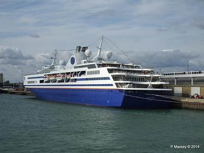 EXPLORER QEII Terminal Southampton PDM 22-08-2014 17-00-028