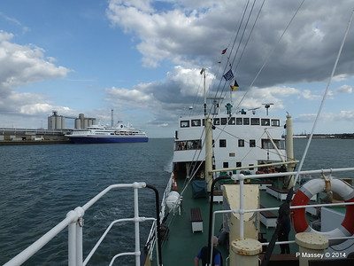 EXPLORER from ss SHIELDHALL Southampton PDM 22-08-2014 17-04-12