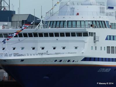 EXPLORER QEII Terminal Southampton PDM 22-08-2014 16-22-00