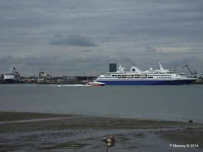 EXPLORER Semester at Sea Departing Southampton PDM 24-08-2014 17-23-24
