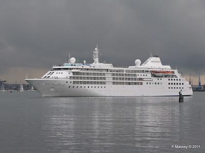 SILVER CLOUD Departing Southampton PDM 20-07-2011 21-03-17