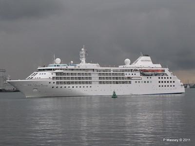 SILVER CLOUD Departing Southampton PDM 20-07-2011 21-03-55