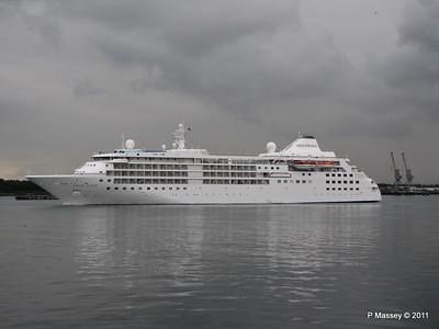 SILVER CLOUD Departing Southampton PDM 20-07-2011 21-05-14