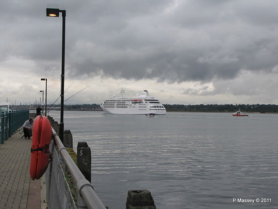 GREAT EXPRECTATIONS Alison MacGregor SILVER CLOUD Departing Southampton PDM 20-07-2011 21-08-18