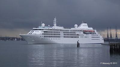 SILVER CLOUD Departing Southampton PDM 20-07-2011 21-02-045