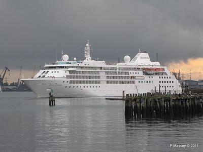 SILVER CLOUD Departing Southampton PDM 20-07-2011 21-02-31