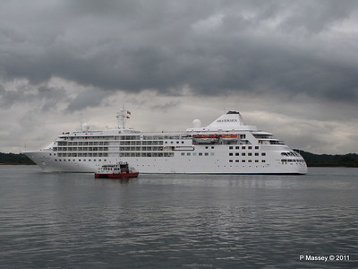 GREAT EXPECTATIONS SILVER CLOUD Departing Southampton PDM 20-07-2011 21-06-38