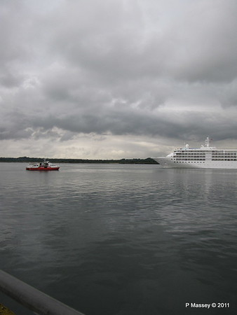 GREAT EXPECTATIONS SILVER CLOUD Departing Southampton PDM 20-07-2011 21-05-59