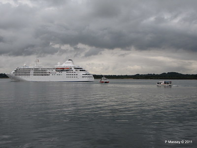 GREAT EXPRECTATIONS Alison MacGregor SILVER CLOUD Departing Southampton PDM 20-07-2011 21-07-05