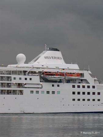 SILVER CLOUD Departing Southampton PDM 20-07-2011 21-04-59