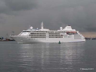 SILVER CLOUD Departing Southampton PDM 20-07-2011 21-03-58