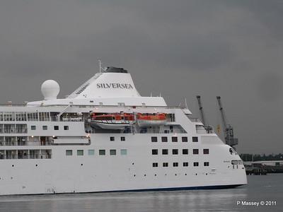 SILVER CLOUD Departing Southampton PDM 20-07-2011 21-05-08