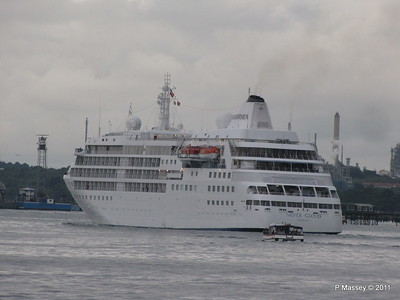 Alison MacGregor SILVER CLOUD Departing Southampton PDM 20-07-2011 21-11-08