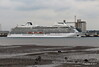 VIKING SEA Departing Southampton PDM 27-04-2017 18-00-29