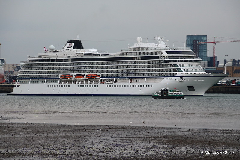 VIKING SEA Departing GREAT EXPECTATIONS Southampton PDM 27-04-2017 17-58-59