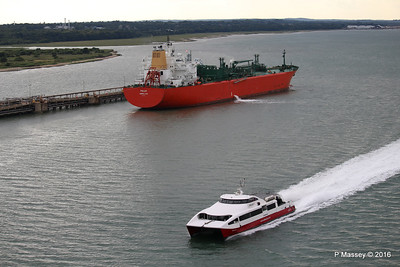 RED JET 4 Passing POLAR Fawley Jetty PDM 13-07-2016 18-01-51