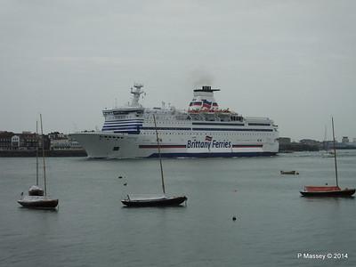 BRETAGNE Arriving Portsmouth PDM 31-05-2014 17-57-54