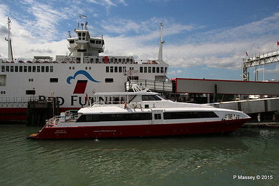 RED JET 5 RED EAGLE Town Quay Southampton PDM 13-05-2015 14-37-23
