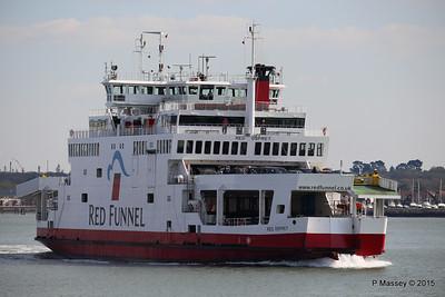 RED OSPREY Approaching Town Quay Southampton PDM 19-04-2015 16-30-05