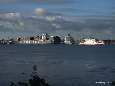 BRITANNIA between CMA CGM CORNEILLE RED FALCON Southampton PDM 12-09-2015 18-12-50