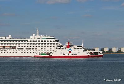 AURORA Departing RED FALCON Southampton PDM 16-05-2016 17-14-08