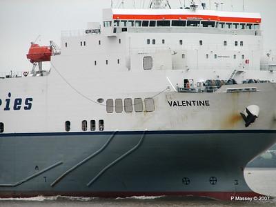 VALENTINE Arriving Tilbury PDM 11-06-2007 15-49-43