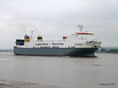 VALENTINE Arriving Tilbury PDM 11-06-2007 15-50-09