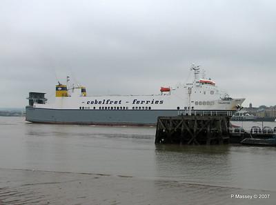 VALENTINE Arriving Tilbury PDM 11-06-2007 15-50-58