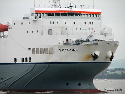 VALENTINE Arriving Tilbury PDM 11-06-2007 15-49-41
