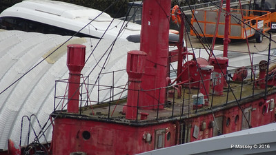 Calshot Lightship Rotting away Ocean Dock Southampton PDM 17-07-2016 07-03-29