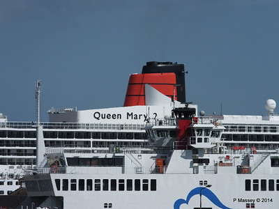 QUEEN MARY 2 RED FALCON Town Quay PDM 24-06-2014 16-47-03