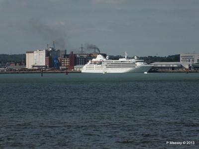 Distant SILVER CLOUD Southampton PDM 09-06-2013 16-33-06