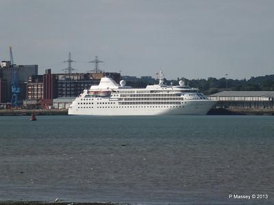 Distant SILVER CLOUD Southampton PDM 09-06-2013 17-29-25