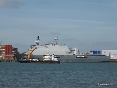 HNLMS ROTTERDAM L800 SEAGREEN PDM 01-06-2013 15-30-08