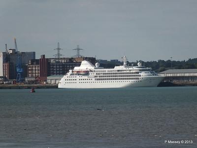 Distant SILVER CLOUD Southampton PDM 09-06-2013 17-29-31