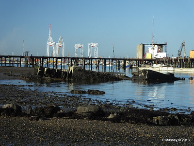 Wreck at Marchwood visible low tide PDM 29-12-2013 12-37-54