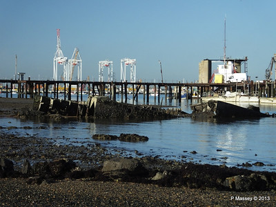 Wreck at Marchwood visible low tide PDM 29-12-2013 12-37-33