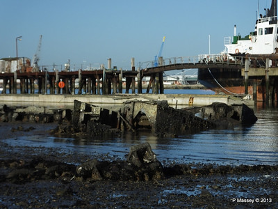 Wreck at Marchwood visible low tide PDM 29-12-2013 12-34-42
