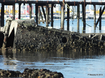 Wreck at Marchwood visible low tide PDM 29-12-2013 12-39-49